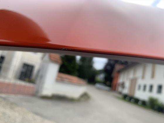 Kratzer Motorhaube